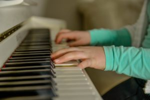 Jouer-du-piano-astuces-piano-virtuose