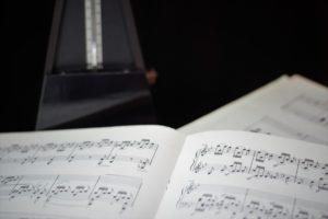 Faut-il jouer au métronome astuces-piano-virtuose